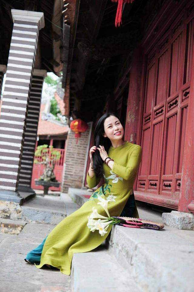 Bí quyết giữ mãi nét thanh xuân của nghệ nhân làm hoa Việt U50 - Ảnh 2.