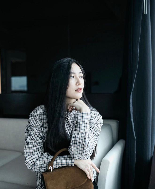 Ăn chay trường, chọn cách sống an yên, Helly Tống vẫn khiến người ta chú ý vì vẻ đẹp kiêu sa ở tuổi 23 - Ảnh 3.