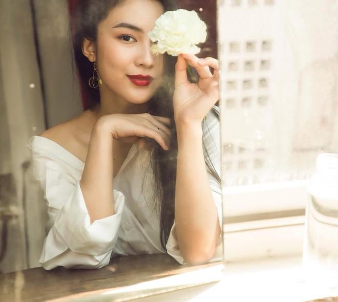 Ăn chay trường, chọn cách sống an yên, Helly Tống vẫn khiến người ta chú ý vì vẻ đẹp kiêu sa ở tuổi 23 - Ảnh 11.