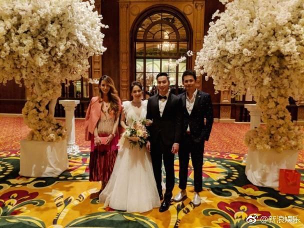 Tròn 10 năm tủi hờn vì scandal ảnh sex, Chung Hân Đồng khóc như mưa trong hôn lễ đẹp như cổ tích của mình - Ảnh 11.